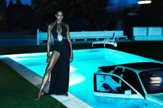 naomi-campbell-topless-interview-magazine-01-320x213